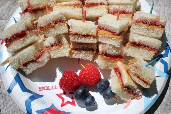 mini picnic sandwiches