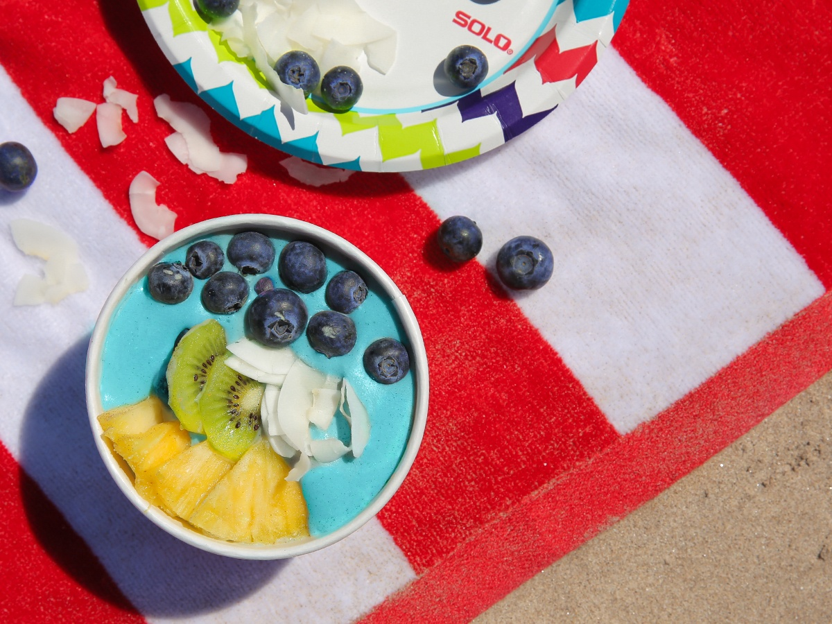 Mermaid Smoothie Bowl Beach Party
